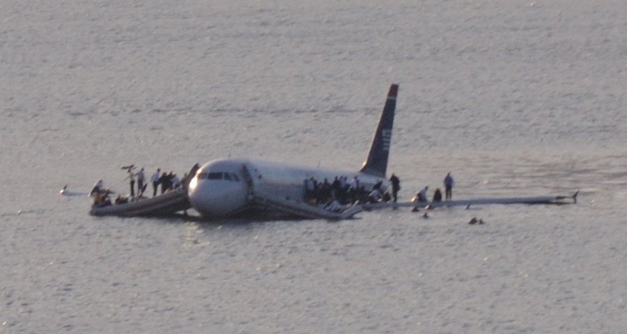 The ditched US Airways Flight 1549 floating on the Hudson River. Image: Flickr | Greg L CC BY 2.0