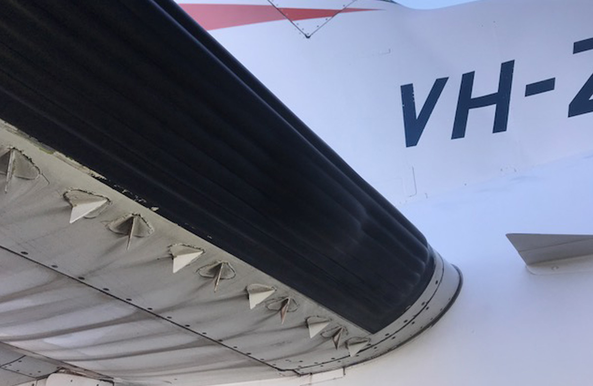 SAAB 340 B–ATA 3010 AIRFOIL ANTI-ICE/DE-ICE SYSTEM–De-icer boot–PUNCTURED.