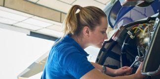 female aero engineer